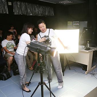 Eva Liu demonstrating fo students