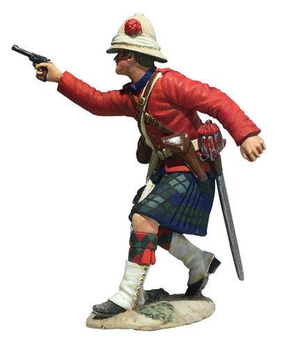 27066 - 42nd Highland Company Officer Firing Pistol