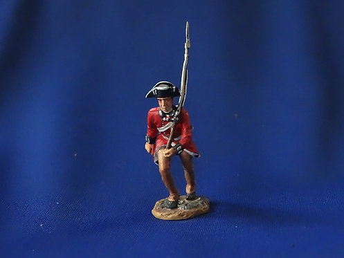 CORD-RA0105 - British Trooper Walking - AWI - Britians - 54mm Metal - No Box