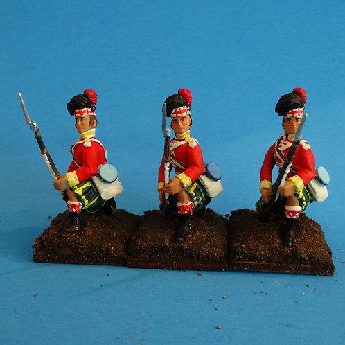 MI-528 - British Gordon Highlanders Kneeling to Repel - Napoleonics