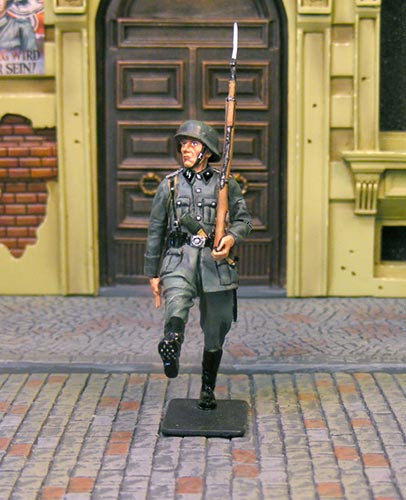 COJG-071 - CS00723 - Waffen SS Review Marching