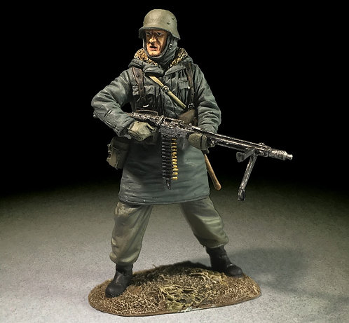 25069 - Waffen SS Grenadier in Kharkov Parka with MG42