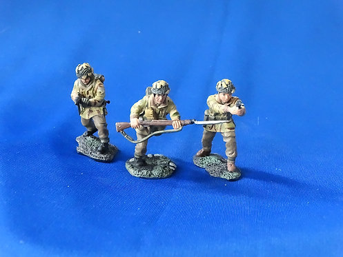 MI-703 - US Paratroopers (3 Figures) - WWII - Britains - 54mm Metal - No Box