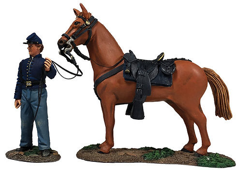 31269 - Federal Orderly Holding Horse