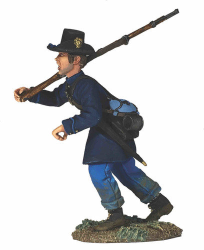 31290 - Federal Iron Brigade Advancing at Right Shoulder No.5