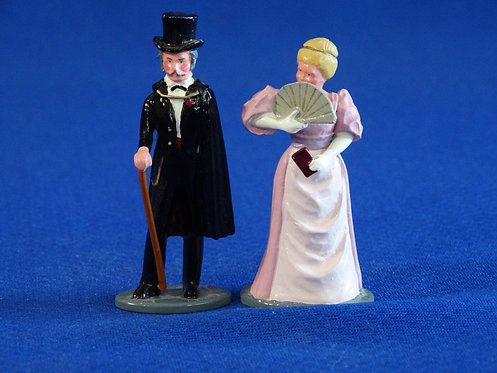 NR-123 - Lady and Gent in Evening Dress (2 Figures) - Trophy Set C38A - 54mm