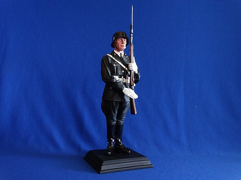COJG-118 - CS60008 - German Infantry at Attention - 1/6th Scale - RETIRED
