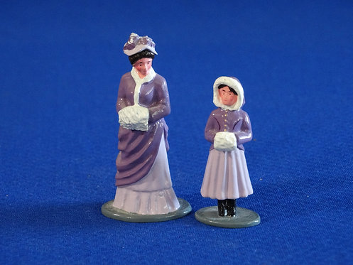 NR-112 - Lady and Daughter (Winter Dress) (2 Figures) - Trophy Set C37 - 54mm