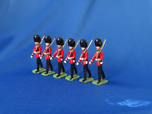 COMS-44 - Welsh Guards, 1 Officer, 5 Other Ranks Marching - 6 Figures
