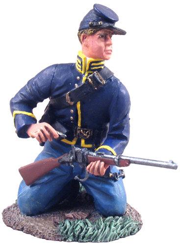 31062 - Union Cavalry Trooper Dismounted Kneeling Loading No.1
