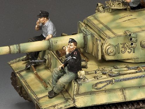 WS354 - Relaxing Panzer Crewmen