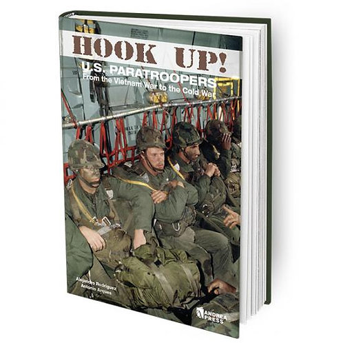 AP-059 - Hook Up! US Paratroopers from the Vietnam War to the Cold War