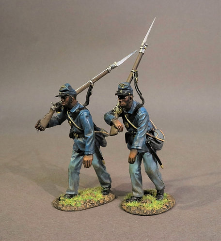 54MASS-06 - 2 Infantry Advancing, 54th Massachusetts Regiment