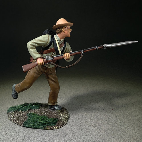 31336 - Confederate Soldier Attacking with Bayonet Leveled