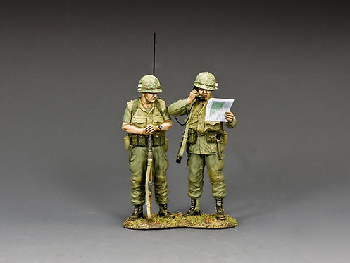 VN111 - The LT and his Radioman
