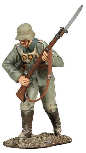 23042 - 1916 German Infantry Advancing No.2