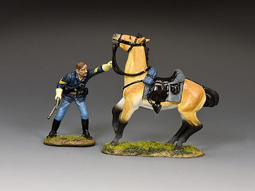 TRW177 - Holding on to his Horse