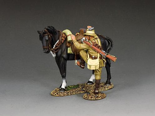 AL106 - ALH Trooper Mounting Up (Black Horse Version)