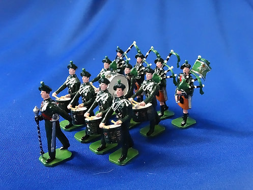 COMS-83 - The Royal Irish Rangers, Pipes and Drums Marching - 12 Figures