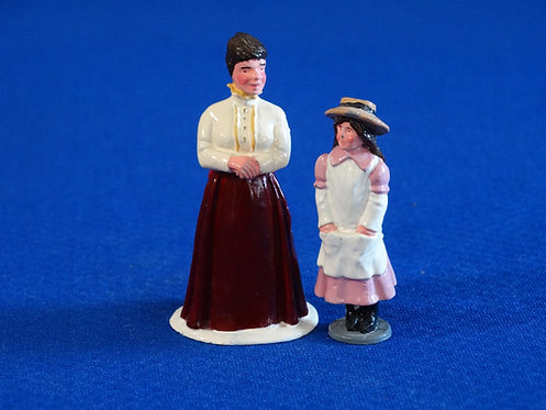 NR-113 - Lady and Daughter (2 Figures) - Trophy - 54mm Metal - No Box