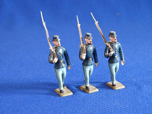 MN014 - Union Infantry - 3 Marching - Minot - 54mm Metal - No Box