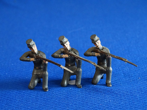 MN035 - Confederate Infantry 3 Kneeling Firing - Minot - 54mm Metal - No Box
