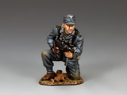 WH079 - Kneeling Panzer Grenadier with Schmeisser
