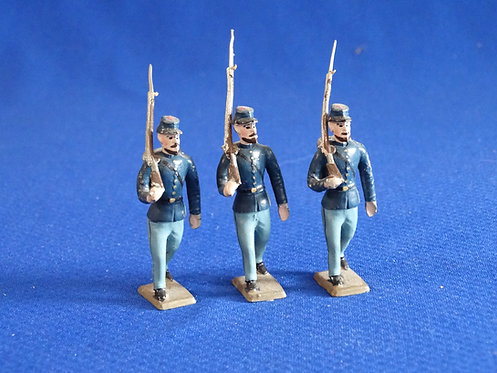 MN013 - Union Infantry - 3 Marching - Minot - 54mm Metal - No Box