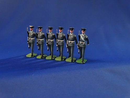 COMS-59 - The Royal Air Force 1950, 6 Other Ranks Marching