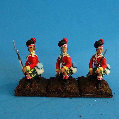 MI-526 - British Gordon Highlanders Kneeling to Repel - Napoleonics
