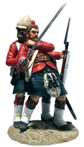 "27068 - ""I have you sir!"" 42nd Highlander Helping Wounded Officer"