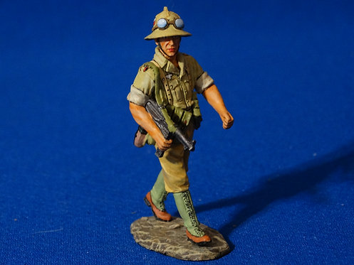 MI-980 - Marching AK Sergeant (AK042) - Afrika Korps  - King and Country - 60 mm