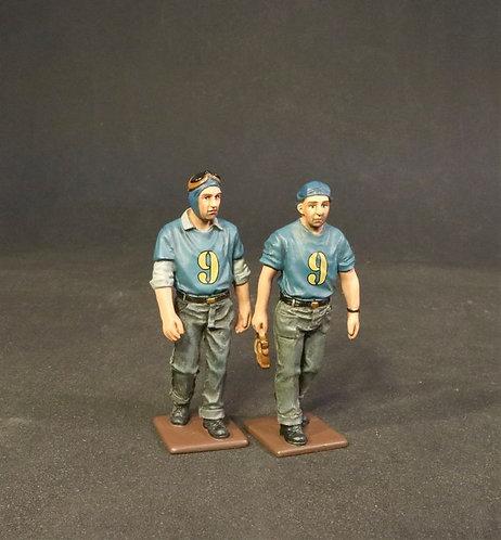 IWA-018B(9) - 2 Deck Crew Walking
