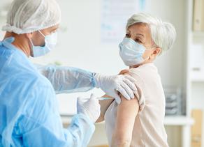 ¿Sabías que la vacuna contra la influenza es una herramienta clave en la lucha contra COVID-19?