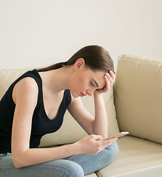 woman-with-smartphone-at-home-bad-read-n