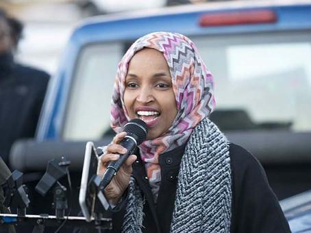 """Ilhan Omar : """" - Bảo hiểm nhân thọ cho tất cả. - Nhà cho tất cả"""""""