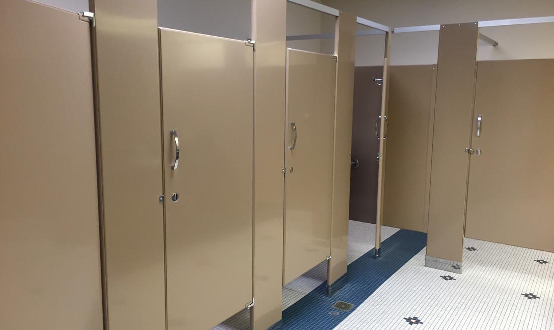 Bathroom Stalls - Buildout Pros