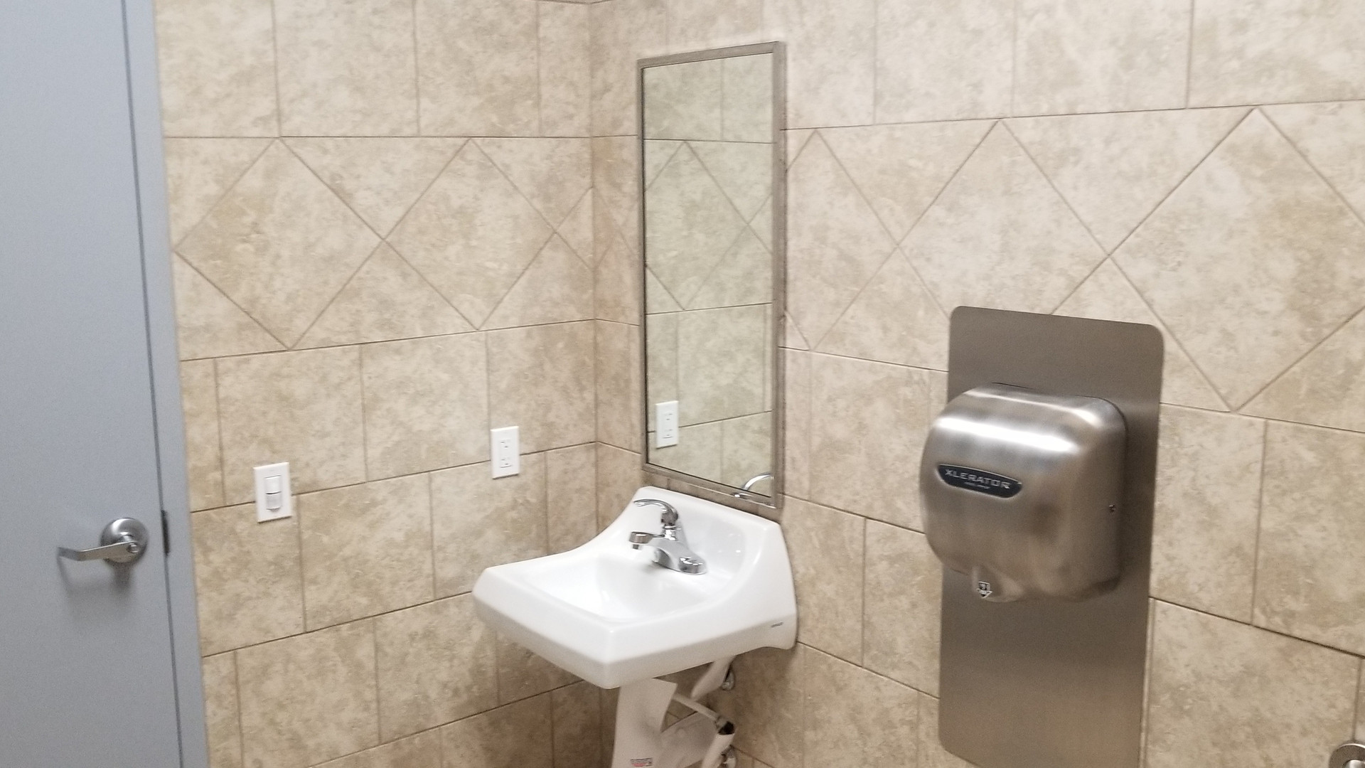 Sink and Hand-dryer - Buildout Pros