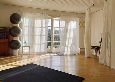 Helene Dorf. Yoga i Randers. Psykomotorik. Bækkenbund. Sunde fødder. Åndedræt.