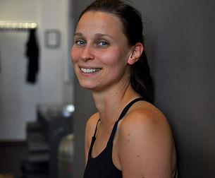 Sophie im Foyer unseres Yogastudios