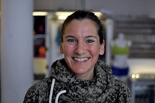 Ela im Vorraum unseres Hot Yogastudios in Köln