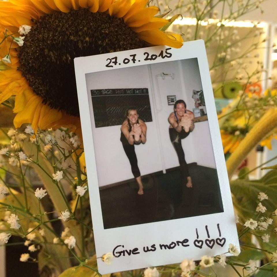 30 Tage Hot Yoga Challenge Ela & Rebecca