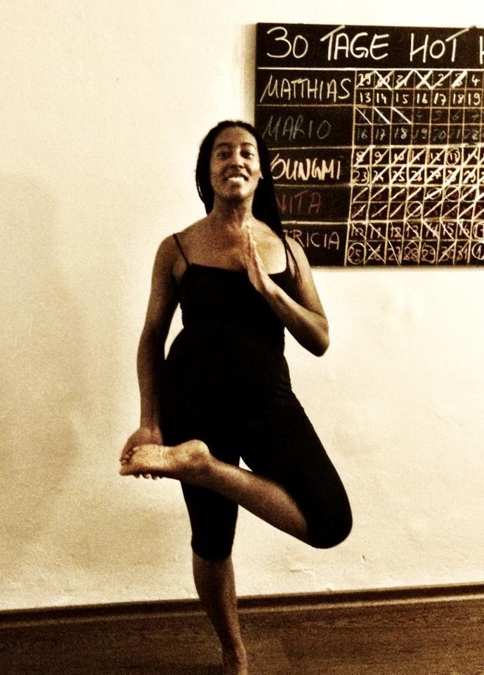 30 days hot yoga challenger Doro und Simone