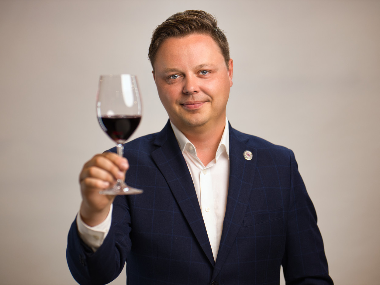 """The Flying Somm"" Ryan Sullivan"