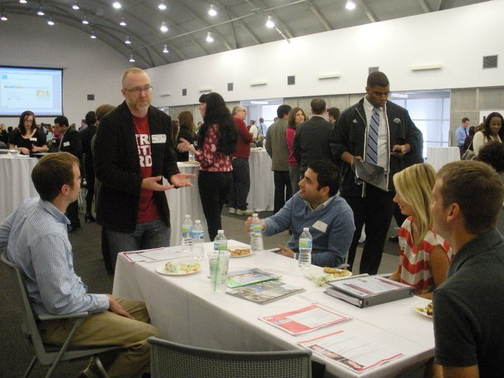 Students meet mentors at lunch at AdCon