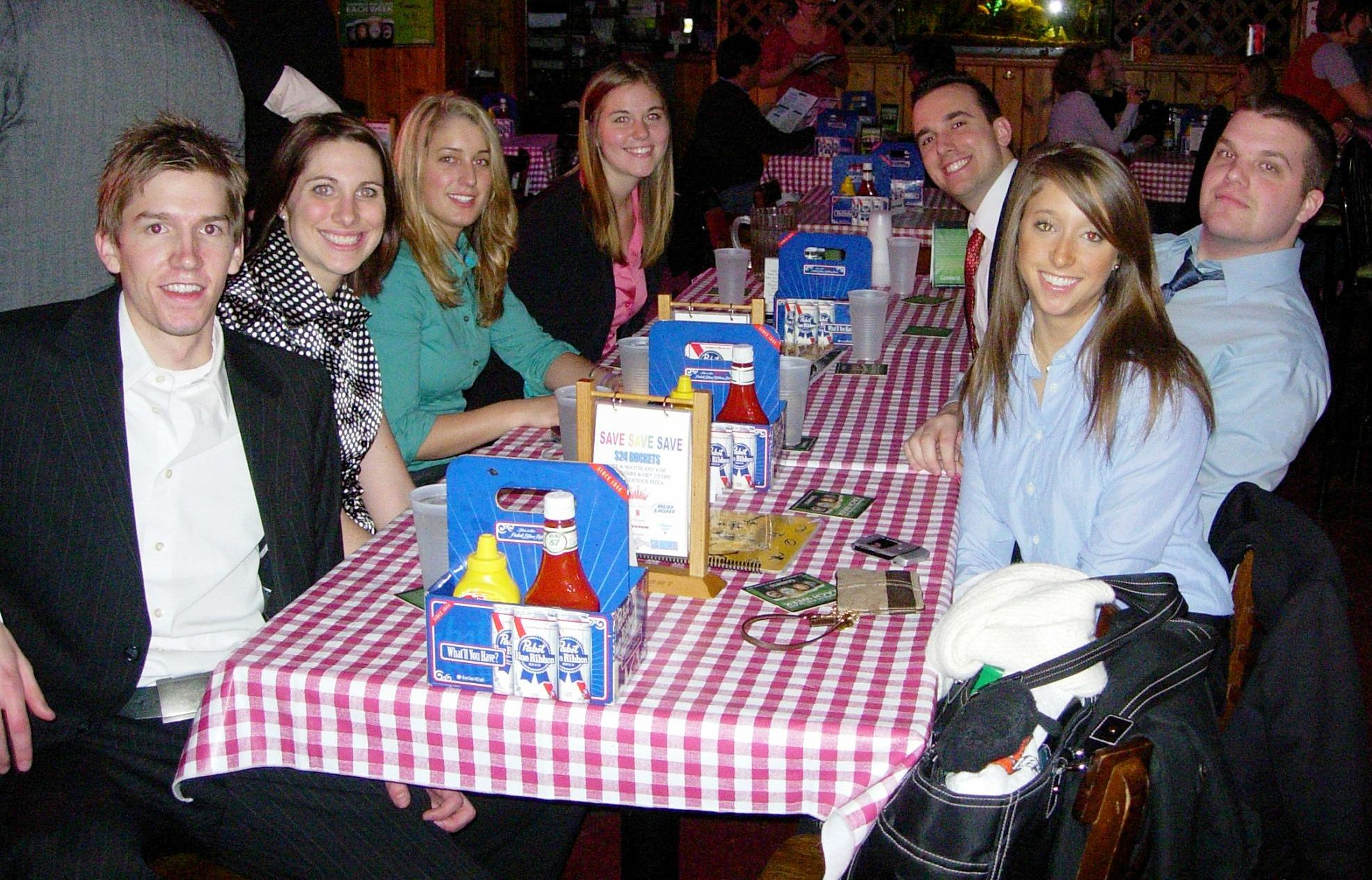 Students at Chicago Alumni Dinner