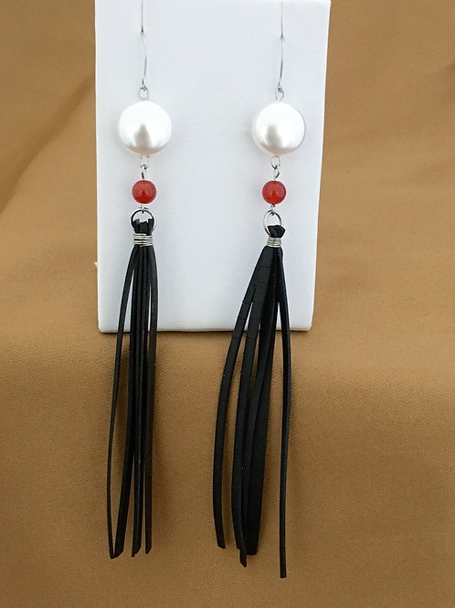Pearl and carnelian extended fringe earrings.
