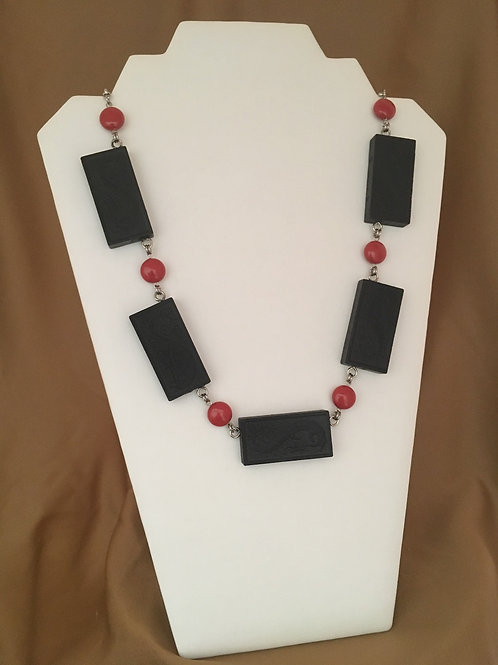 Domino necklace with red coin crystals