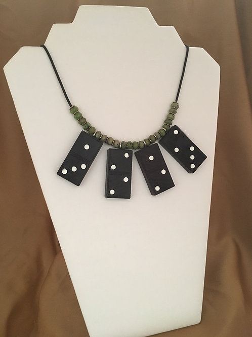 Streamlined domino necklace