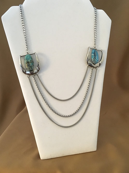 Double buckle necklace with agate